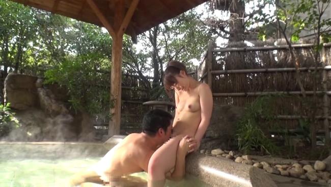 【おっぱい】こんな温泉旅行なら毎日行きたい!一泊二日温泉旅館でセックス三昧になっちゃった美少女彼女のおっぱい画像がエロすぎる!【30枚】