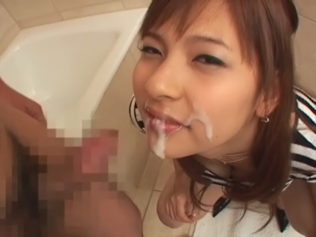 【おっぱい】セックスで気持ちよさそうな可愛くて綺麗なお顔にたっぷりと顔射されちゃっている女の子のおっぱい画像がエロすぎる!【30枚】 21