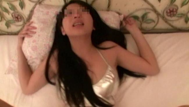 【おっぱい】「セックスを他人に見せたい」という願望を持つカップルから送られる、ヤラセ無しの生々しい素人娘たちのおっぱい画像がエロすぎる!【30枚】 06