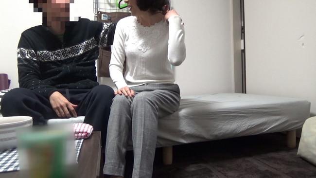 【おっぱい】おばさんレンタルで「恋の悩みの処方箋はSEX!」と中出しまでやらせてくれた熟女さんたちのおっぱい画像がエロすぎる!【30枚】 20