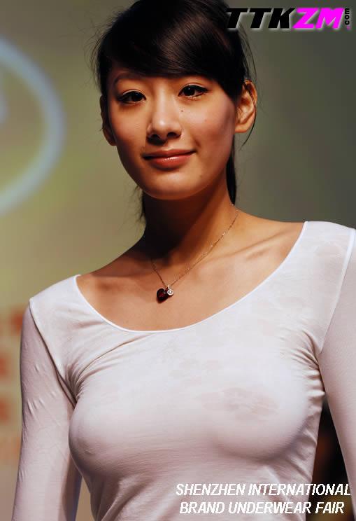 【おっぱい】アジアンビューティーの代表格!美しくも色っぽいような中国人の女の子たちのおっぱい画像がエロすぎる!【30枚】 23