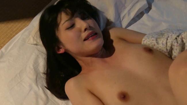 【おっぱい】昭和の時代にピッタリな濃厚で妖艶なセックスをしてしまっている人妻さんたちのおっぱい画像がエロすぎる!【30枚】 26