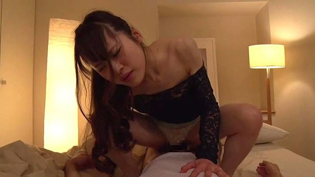 【おっぱい】我が家へ来たのでうっかり夜這いしてみたらノリに乗ってセックスしちゃった妻の友人たちのおっぱい画像がエロすぎる!【30枚】 30