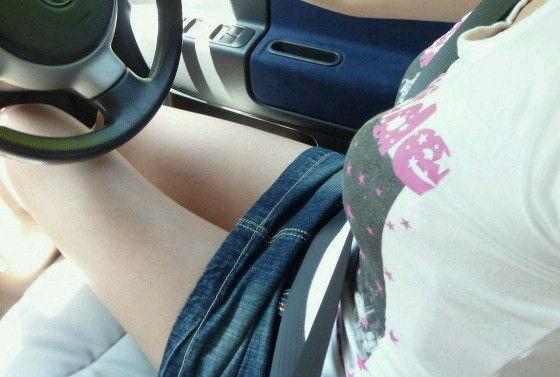 【おっぱい】おっぱいに紐やシートベルトを喰い込ましてパイスラッシュとなっている女の子たちのおっぱい画像がエロすぎる!【30枚】 23