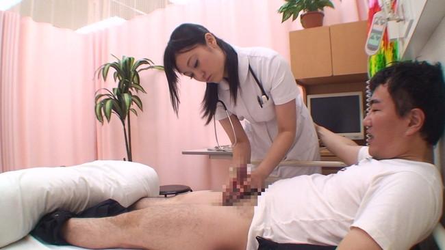 【おっぱい】病院に入院してカラダを張って潜入調査!ヤラせてくれるという噂の美人看護師さんたちのおっぱい画像がエロすぎる!【30枚】 05