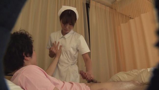 【おっぱい】病院に入院してカラダを張って潜入調査!ヤラせてくれるという噂の美人看護師さんたちのおっぱい画像がエロすぎる!【30枚】 24