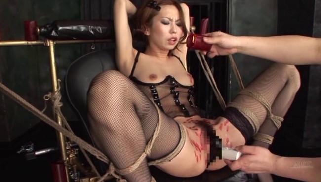 【おっぱい】開脚ポーズで完璧拘束する仕上げ椅子でアクメ調教をガンガンされちゃっている女の子たちのおっぱい画像がエロすぎる!【30枚】 20