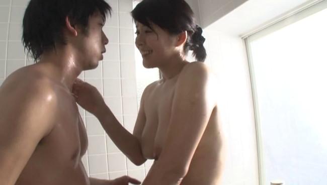 【おっぱい】湯けむりに漂う愛液の香りと石鹸の匂いに交じりお風呂場に喘ぎ声がこだまする熟女さんたちのおっぱい画像がエロすぎる!【30枚】 30