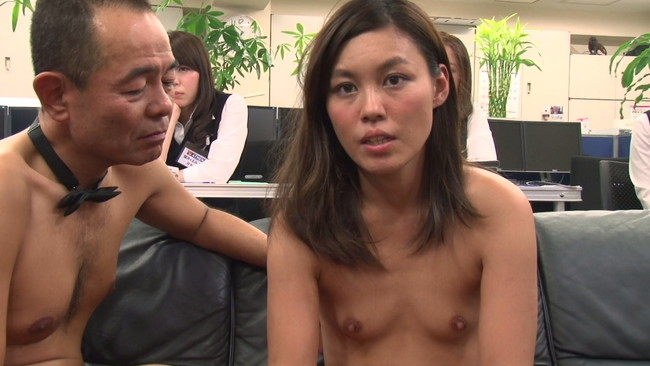 【おっぱい】AV女優になるためにはなり振り構っていられない!公開面接でセックスを披露しちゃっている素人の女の子のおっぱい画像がエロすぎる!【30枚】 10