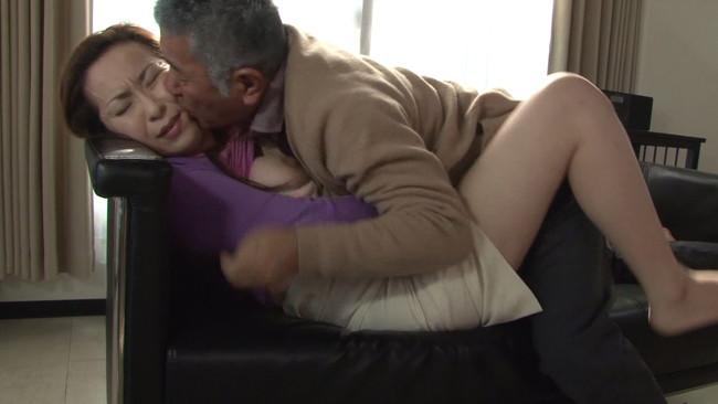 【おっぱい】都会の女に性欲では負けていない?!セックスに飢えている田舎の熟女さんたちのおっぱい画像がエロすぎる!【30枚】 25