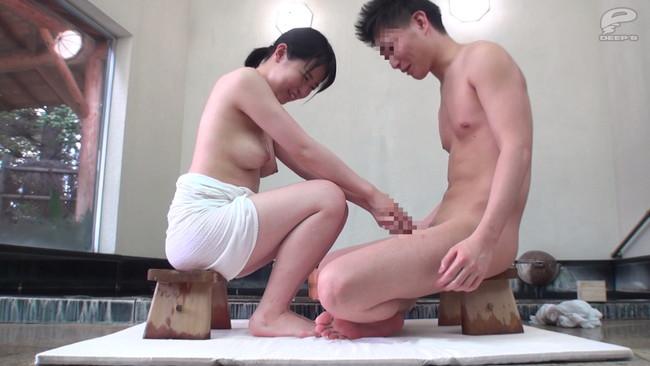 【おっぱい】男子学生相手に混浴露天風呂で人生初の素股体験!みんなの憧れの巨乳女子マネージャーたちのおっぱい画像がエロすぎる!【30枚】 08