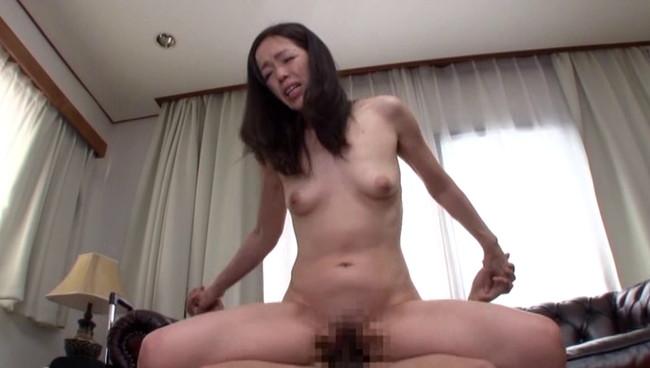 【おっぱい】膣内にザーメンを大量ドッピュン!本当に気持ちいい中出しセックスを教えてくれる美熟女さんたちのおっぱい画像がエロすぎる!【30枚】 21