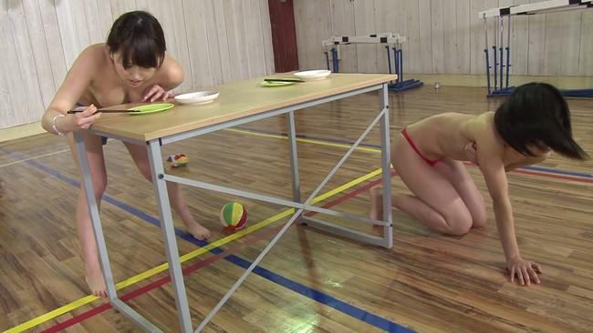 【おっぱい】固定バイブをブッ挿したまま様々な障害物を乗り越えゴールを目指せ!ゲームに参加する女の子たちのおっぱい画像がエロすぎる!【30枚】 01