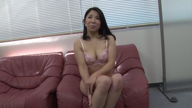 【おっぱい】セックスレス、マン舐め経験ゼロ、超恥ずかしがり…AVに応募してきた色々な熟女人妻さんのおっぱい画像がエロすぎる!【30枚】 04