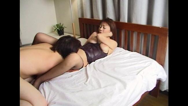 【おっぱい】熟れた肉体とセックスの匂い!息子との情欲近親相姦に溺れてしまうお義母さんたちのおっぱい画像がエロすぎる!【30枚】 14
