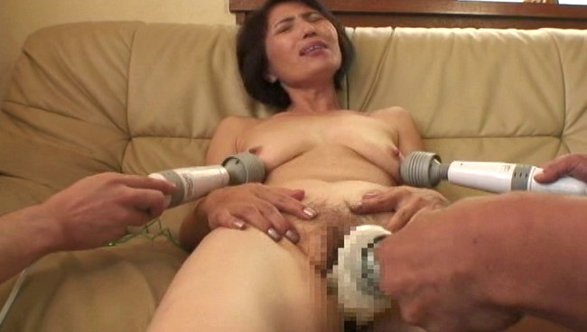 【おっぱい】電マを使ったら日本一!悶絶絶叫オナニー、そしてセックスをしちゃう熟女さんたちのおっぱい画像がエロすぎる!【30枚】 14