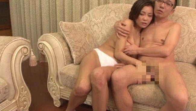 【おっぱい】セックス素人サークルでもかなりのスキものたちが話題にする過激なスワッピングに参加する夫婦たちの画像がエロすぎる!【30枚】 06