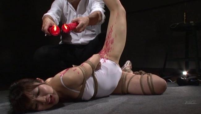 【おっぱい】全裸に下着にレオタードに!緊縛プレイで縛り上げられて吊るし上げられちゃっている女の子たちのおっぱい画像がエロすぎる!【30枚】 23
