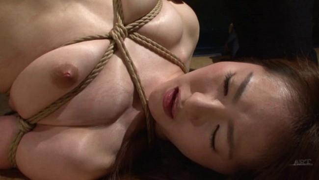 【おっぱい】陥った性の魔窟!醜い欲望で汚される拒絶の裸体!地下牢の倒錯魔の罠に捕らえられてしまった女性のおっぱい画像がエロすぎる!【30枚】 20