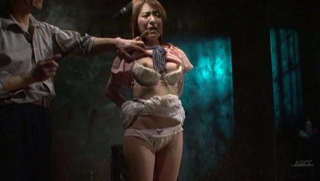 【おっぱい】陥った性の魔窟!醜い欲望で汚される拒絶の裸体!地下牢の倒錯魔の罠に捕らえられてしまった女性のおっぱい画像がエロすぎる!【30枚】 21