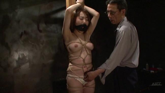 【おっぱい】陥った性の魔窟!醜い欲望で汚される拒絶の裸体!地下牢の倒錯魔の罠に捕らえられてしまった女性のおっぱい画像がエロすぎる!【30枚】 25