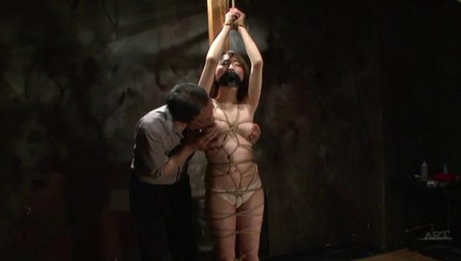 【おっぱい】陥った性の魔窟!醜い欲望で汚される拒絶の裸体!地下牢の倒錯魔の罠に捕らえられてしまった女性のおっぱい画像がエロすぎる!【30枚】 30