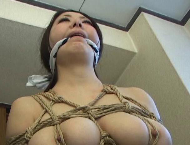 """【おっぱい】緊縛プレイに代名詞でもある""""乳房十文字縛り""""で魅力的なカラダを見せつけてくれちゃっている巨乳な女性たちのおっぱい画像がエロすぎる!【30枚】 25"""