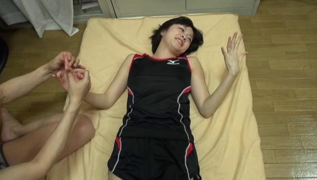 【おっぱい】学生時代のレーシングブルマで汗だくセックスをしちゃうドMな美ジョガーの女の子のおっぱい画像がエロすぎる!【30枚】 19