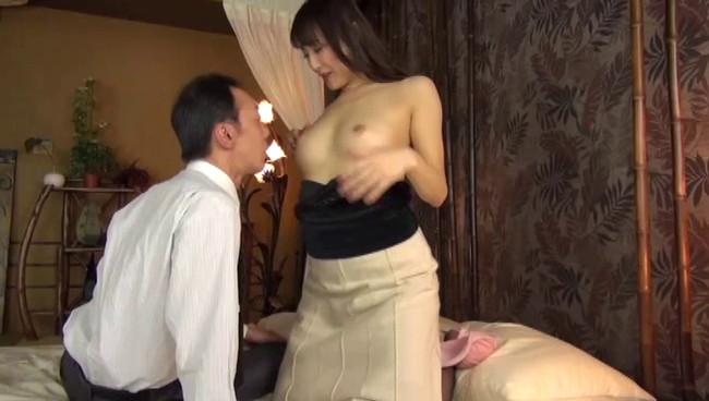 【おっぱい】下品な指オナニーを見せつけ男を誘惑!いつも性欲を持て余した人妻さんたちのおっぱい画像がエロすぎる!【30枚】 21