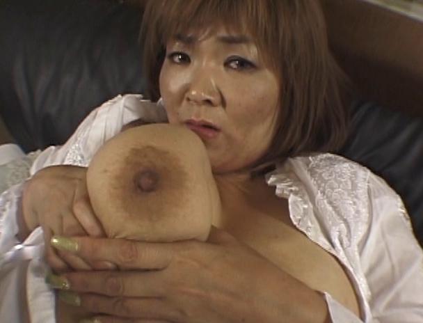 【おっぱい】その豊乳と大人の色気で男を魅了する!124cm&Nカップの超爆乳を持つAV女優・城エレンさんのおっぱい画像がエロすぎる!【30枚】 20