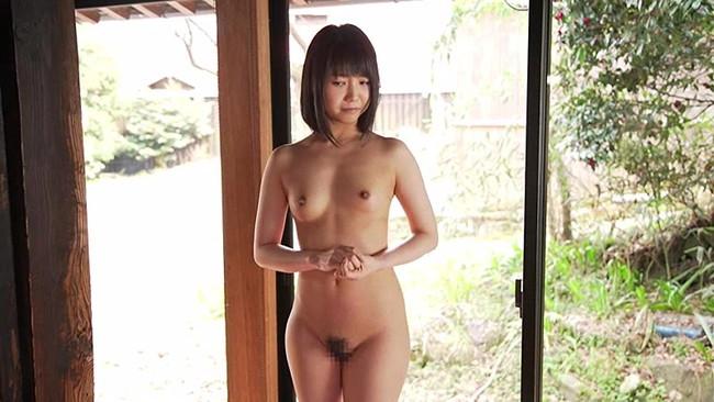 【おっぱい】デビュー作品でカメラの前で初めて裸になって、初めてエッチなことをしちゃうAV女優・戸田真琴ちゃんのおっぱい画像がエロすぎる!【30枚】 05