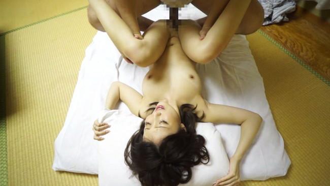 【おっぱい】常にセックスのことばかり考えちゃう!温泉旅行でセックスに興じる下ネタも言えないほど清楚な人妻さんたちのおっぱい画像がエロすぎる!【30枚】 01