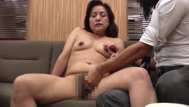【おっぱい】強引にカメラテストでセックス!わけありで高収入目的にAV面接に来た素人熟女さんたちのおっぱい画像がエロすぎる!【30枚】 19
