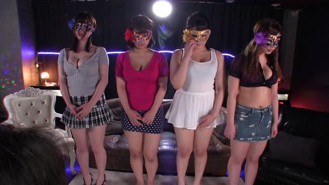 【おっぱい】私服で紹介された後にセクシー衣装に着替えて登場!ドMでナイスボディの女の子たちのおっぱい画像がエロすぎる!【30枚】