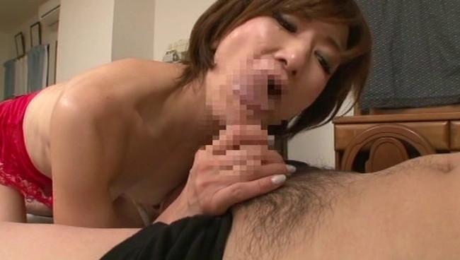 【おっぱい】夫以外の男たちのデカチンに興奮してヤリまくり!実はセックスが大好きな熟女さんたちのおっぱい画像がエロすぎる!【30枚】 03