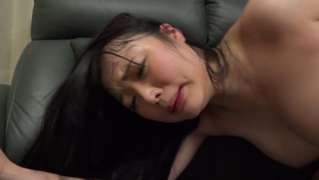 【おっぱい】バスタオルを落とし全裸になったマドンナに興奮!かつて好きだったクラスのマドンナのおっぱい画像がエロすぎる!【30枚】 30