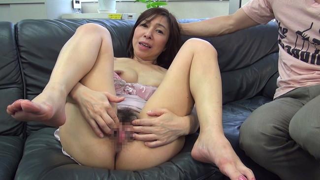 【おっぱい】セックスレスでもう何年もしていない完熟妻たちのおっぱい画像がエロすぎる!【30枚】 06