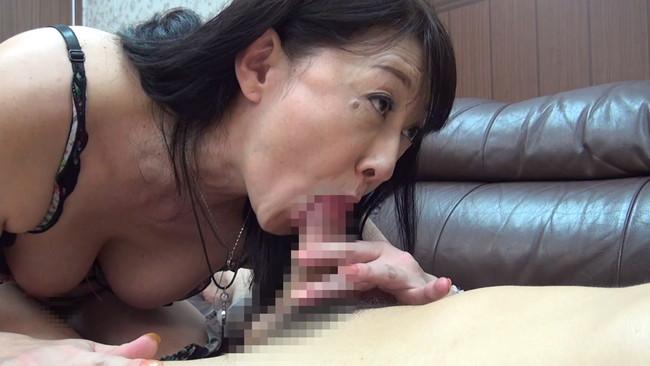 【おっぱい】セックスレスでもう何年もしていない完熟妻たちのおっぱい画像がエロすぎる!【30枚】 21