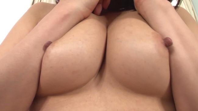 【おっぱい】Fカップ乳をいじり倒したら引くほど乳首ボッキしちゃって大変な椿かなりさんのおっぱい画像がエロすぎる!【30枚】 26