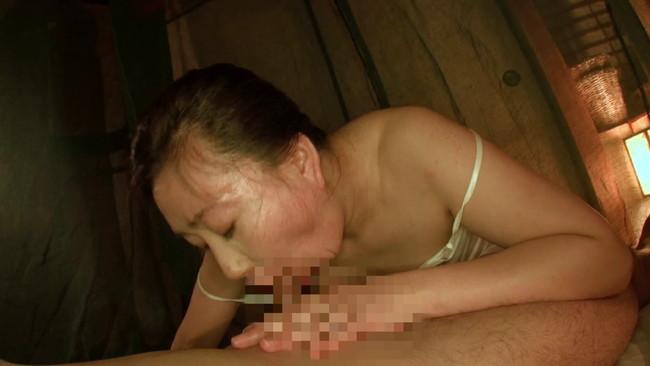 【おっぱい】玉肌を桃色に染めナマ肉棒に狂う人妻さんのおっぱい画像がエロすぎる!【30枚】 22