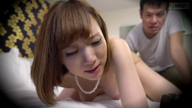 【おっぱい】寝取られ願望が非常に強い旦那さんに見られながら他人の肉棒に犯され汚される美人な人妻さんたちのおっぱい画像がエロすぎる!【30枚】 10