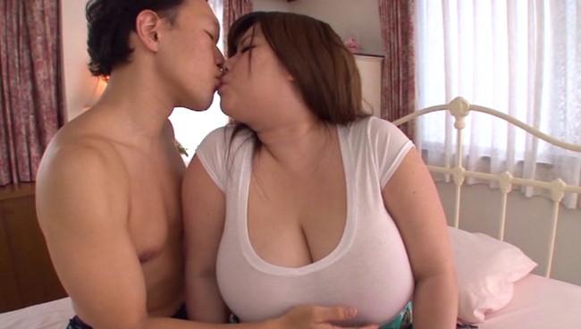 【おっぱい】セックス三昧!超乳Mカップ嬢・琴吹うたちゃんのおっぱい画像がエロすぎる!【30枚】 04