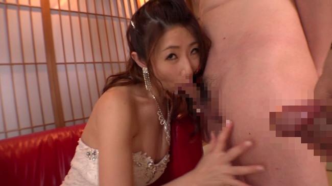 【おっぱい】いつにも増して色気ムンムンの篠田あゆみさんのおっぱい画像がエロすぎる!【30枚】 24