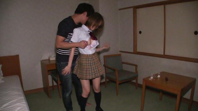 【おっぱい】マジメに学校へ通う大人しい女子校生のおっぱい画像がエロすぎる!【30枚】 05