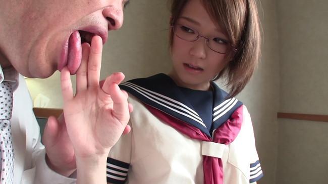 【おっぱい】マジメに学校へ通う大人しい女子校生のおっぱい画像がエロすぎる!【30枚】 07