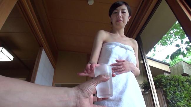【おっぱい】夫以外の男性に裸体を晒すどこにでもいる普通の人妻さんのおっぱい画像がエロすぎる!【30枚】 07