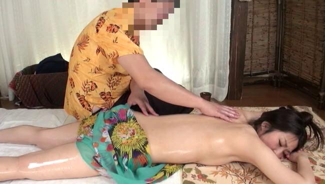 【おっぱい】アジア風リゾートマッサージで卑猥施術を施されてしまう人妻さんたちのおっぱい画像がエロすぎる!【30枚】 01