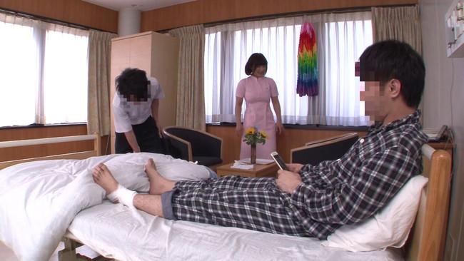 【おっぱい】若くて硬い勃起角度150度の少年チ○ポに抱きつかれたおばさん看護師さんたちのおっぱい画像がエロすぎる!【30枚】 01