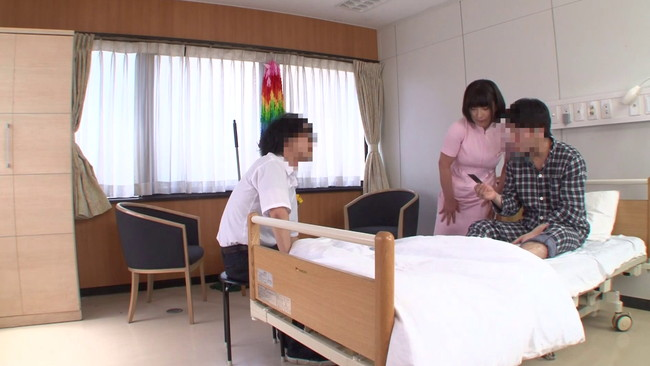 【おっぱい】若くて硬い勃起角度150度の少年チ○ポに抱きつかれたおばさん看護師さんたちのおっぱい画像がエロすぎる!【30枚】 08
