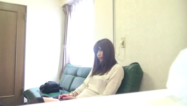 【おっぱい】初対面の男性とマンションの一室で一緒に過ごしてハメ撮りまでされちゃう女子大生の女の子のおっぱい画像がエロすぎる!【30枚】 29